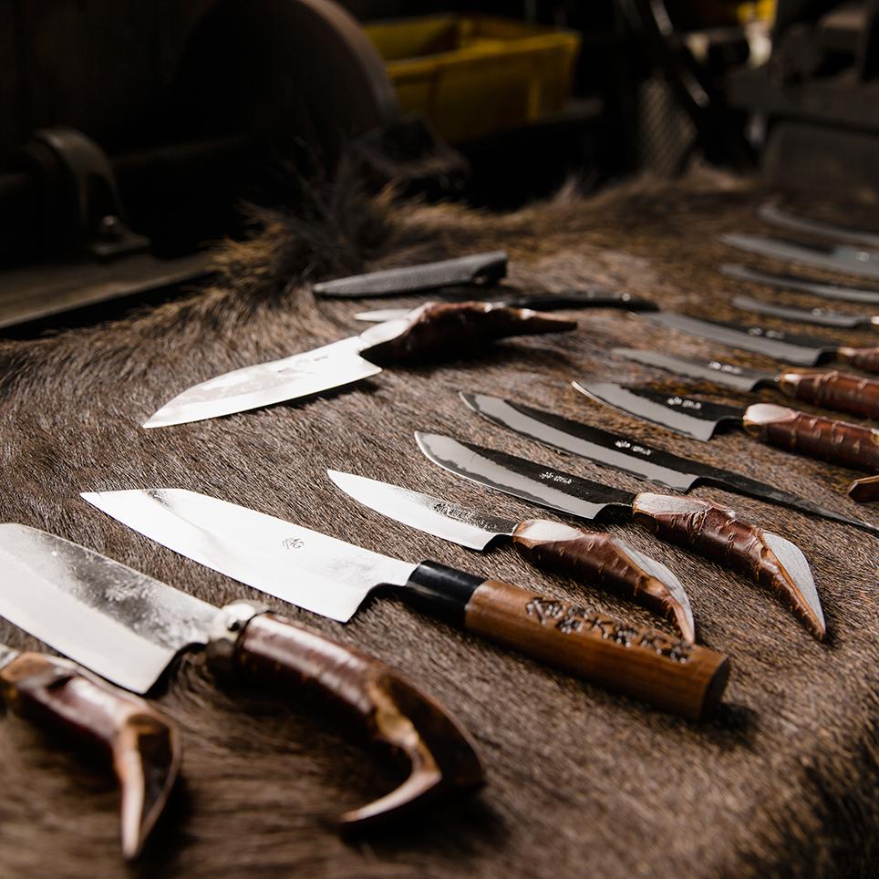 鍛冶職人が生み出す、鋭利かつ粘りある包丁が切れる![大塚刃物鍛冶 ...